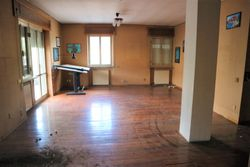 Appartamento uso ufficio al piano primo - Lotto 10921 (Asta 10921)