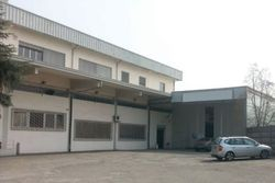 Commercial building with offices and showroom - Lote 1093 (Subasta 1093)