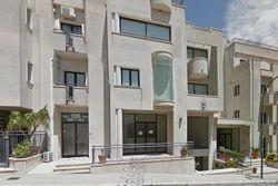 Negozio, ufficio e 2 magazzini zona centrale - Lotto 10935 (Asta 10935)