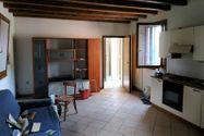Immagine n3 - Ufficio con appartamento e due depositi - Asta 10968
