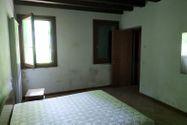 Immagine n4 - Ufficio con appartamento e due depositi - Asta 10968