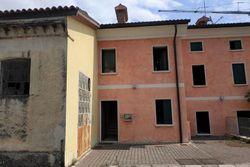 Monolocale al piano primo con soffitta - Lotto 10969 (Asta 10969)