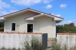Rough villa with garden and cellar  unit C  - Lot 11002 (Auction 11002)