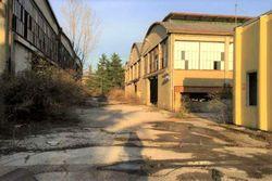 Complesso industriale in stato di abbandono