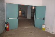 Immagine n12 - Negozio al piano terra e magazzino interrato - Asta 11087