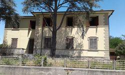 Single family villa on   levels - Lot 11102 (Auction 11102)