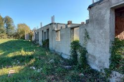 Eight terraced houses in the rough backward - Lot 11135 (Auction 11135)