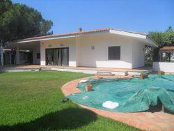 Villetta con piscina vicino al mare - Lotto 11138 (Asta 11138)