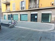 Immagine n1 - Large shop with warehouse in the historic center - Asta 11169