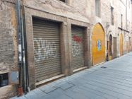 Immagine n0 - Two commercial premises in the rough, in the historic center - Asta 11170