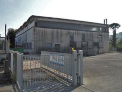 industrial unit with offices and court - Lot 1140 (Auction 1140)
