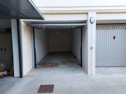 Box auto al piano seminterrato di 17 mq