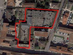 Complesso residenziale commerciale in corso di costruzione