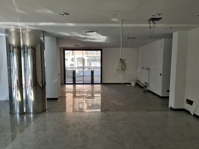 Immagine n. 1 - #11428 Negozio uso ufficio in complesso commerciale