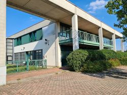 Management complex with warehouse - Lot 11445 (Auction 11445)