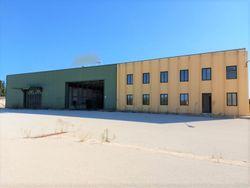 Complesso industriale composto da 4 capannoni, oltre a servizi