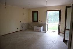 Appartamento piano primo con garage e piscina condominiale - Lotto 11564 (Asta 11564)