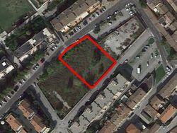 Terreno edificabile residenziale di 1711 mq