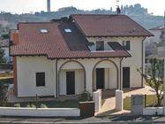 Immagine n0 - Villa con giardino e terreno edificabile - Asta 1162