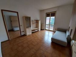 Two three room apartments with cellar and two garages - Lote 11666 (Subasta 11666)