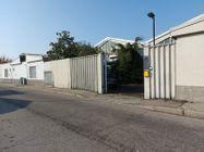 Immagine n0 - Porzione di capannone con uffici, centrale termica e corte - Asta 11744