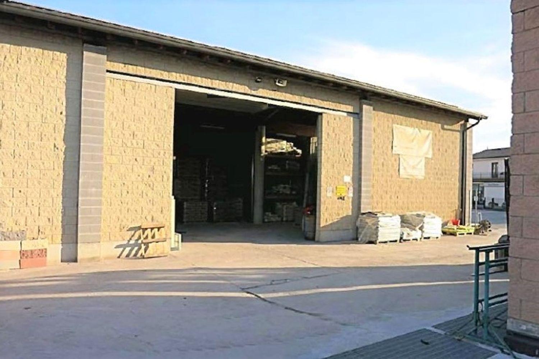 #11761 Complesso commerciale con garage e magazzini in vendita - foto 6