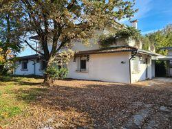 Villa unifamiliare con garage doppio