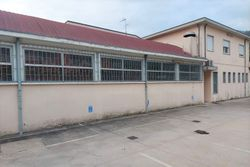 Warehouses and shop in a commercial complex - Lot 11793 (Auction 11793)
