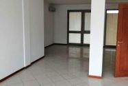 Immagine n2 - Negozio e corte (sub 9) in condominio Il Borgo - Asta 11795