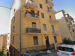 Appartamento al piano primo sottostrada, con cantina - Lotto 11838 (Asta 11838)