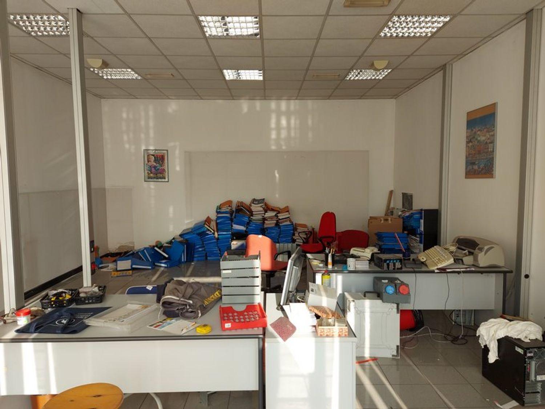 #11861 Negozi con depositi e parcheggi in vendita - foto 2