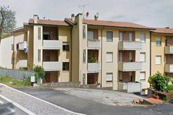Ampio appartamento con soffitta e autorimessa - Lotto 11881 (Asta 11881)