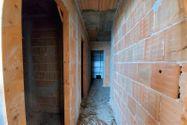 Immagine n2 - Abitazione grezza (sub 10) con ampio terrazzo - Asta 11896
