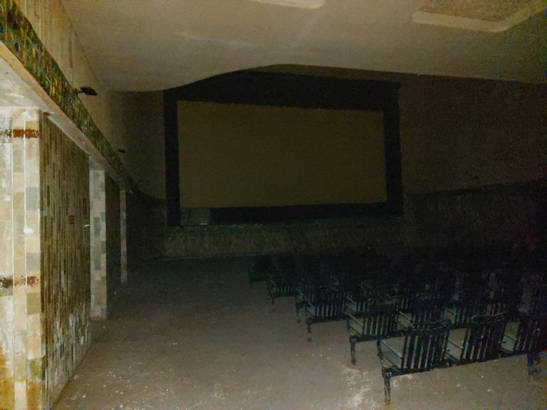 #11910 Ex cinema in centro storico in vendita - foto 2