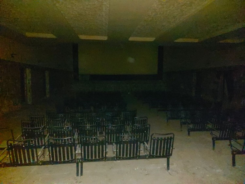 #11910 Ex cinema in centro storico in vendita - foto 3
