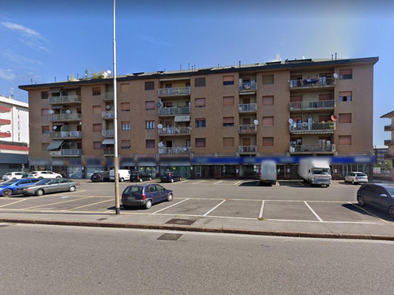 #11912 Negozio al piano terra di fabbricato condominiale in vendita - foto 8