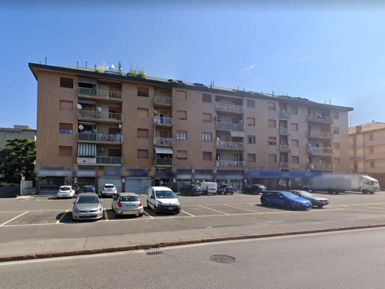 #11912 Negozio al piano terra di fabbricato condominiale in vendita - foto 9