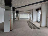 Immagine n3 - Negozio in angolo al piano terra con magazzino - Asta 11914
