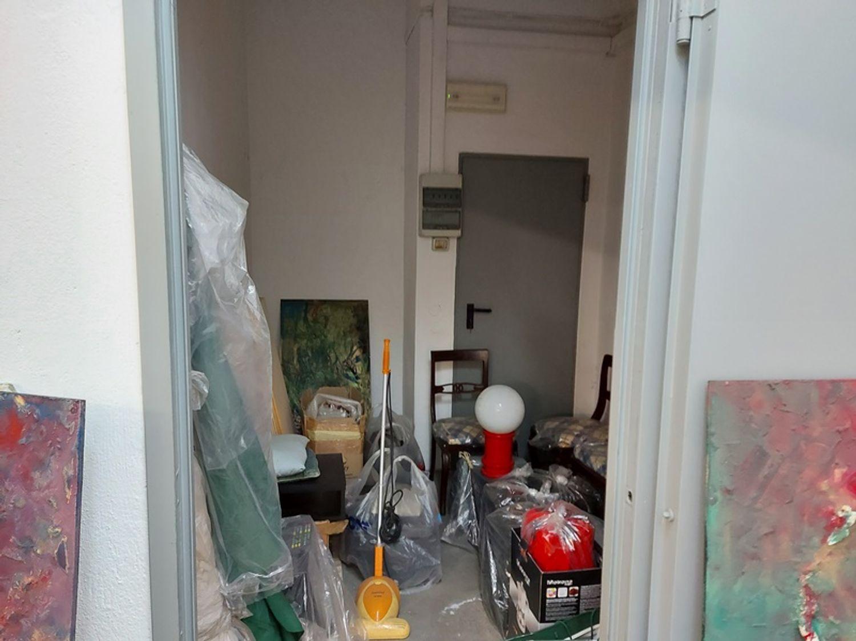 #11914 Negozio in angolo al piano terra con magazzino in vendita - foto 10