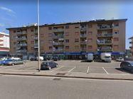 Immagine n18 - Negozio in angolo al piano terra con magazzino - Asta 11914