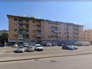 Immagine n19 - Negozio in angolo al piano terra con magazzino - Asta 11914