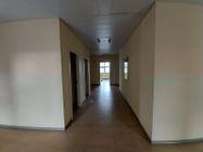 Immagine n5 - Unità adibita ad ufficio in ampio complesso e 10 posti auto - Asta 11949