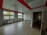 Immagine n6 - Unità adibita ad ufficio in ampio complesso e 10 posti auto - Asta 11949