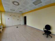 Immagine n8 - Unità adibita ad ufficio in ampio complesso e 10 posti auto - Asta 11949