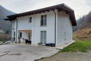 Immagine n0 - Casa su tre piani con giardino in bifamiliare - Asta 11960