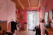 Immagine n4 - Casa su tre piani con giardino in bifamiliare - Asta 11960
