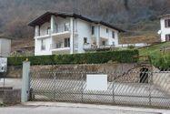 Immagine n9 - Casa su tre piani con giardino in bifamiliare - Asta 11960