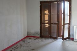 Three room apartment sub with cellar and terrace - Lot 11988 (Auction 11988)
