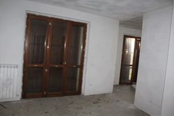Three room apartment sub with garden and cellar - Lot 11994 (Auction 11994)