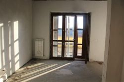 Three room apartment sub with cellar and terrace - Lot 11995 (Auction 11995)
